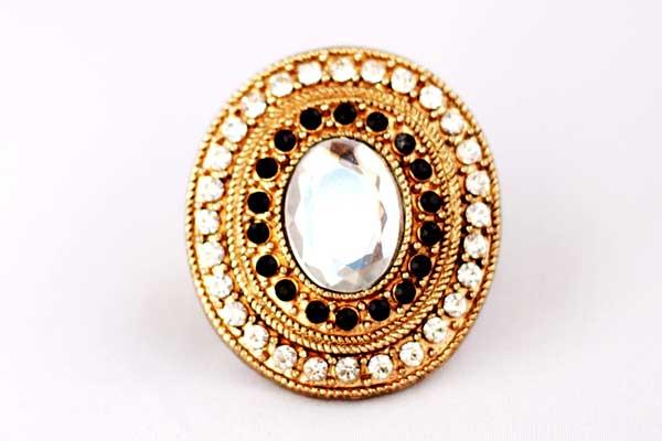 купить винтажное массивное кольцо с белыми и черными кристаллами