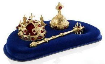 скипетр, держава и корона.