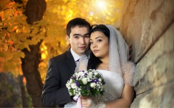 букет_невесты_Алматы_сиренеые_лизиантусы.jpg