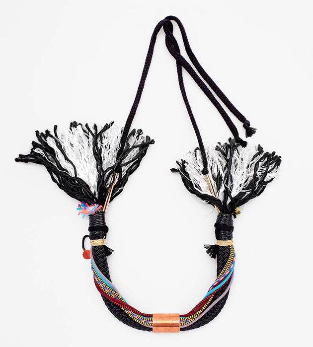 купите стильное украшение в единственном экземпляре от Domingo Ayala
