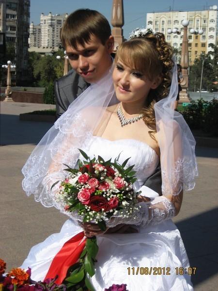 букет_невесты_Алматы_роза_спрей_красная.JPG