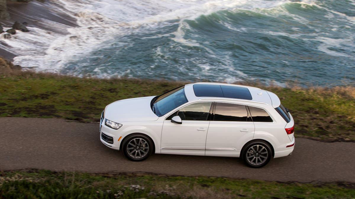 Audi-Q7-2017-10.jpg