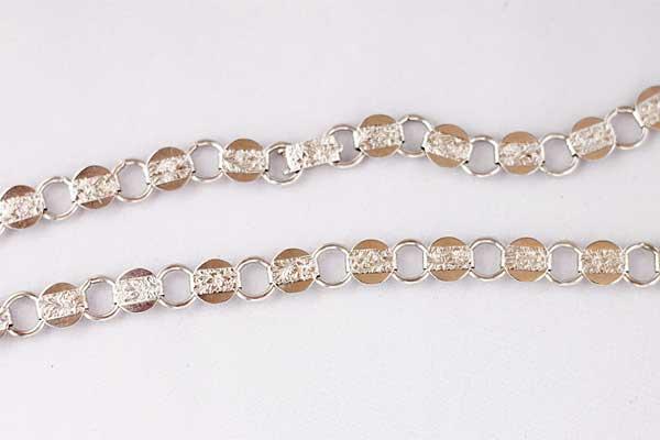 Винтажное ожерелье из металла с тиснением Sarah Coventry