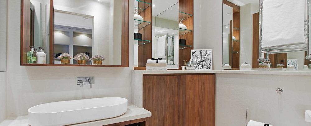 Купить зеркало со шкафом для ванной в Москве