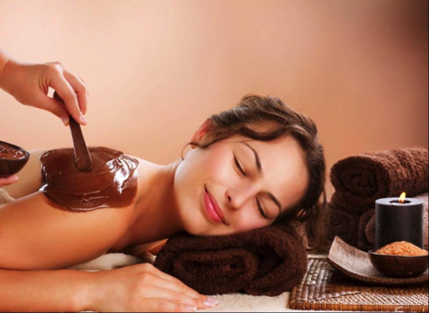 Массаж с шоколадом.