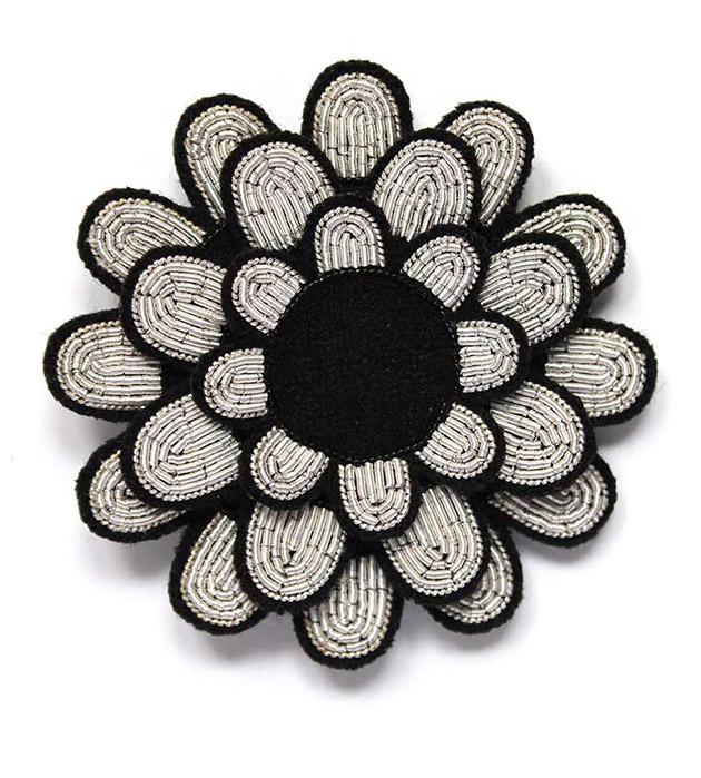 купите серебристо-чёрная брошь ручной работы от французского бренда Macon&Lesquoy - Dahlia pin