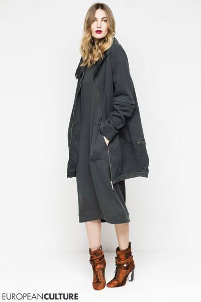 Спортивная куртка European culture цвета хаки из новой весенней колекции 2016