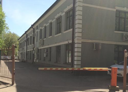 Офис Secure-Market: Вход со двора