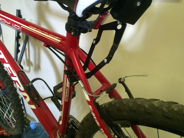 зацеп крюков за раму_лифт для велосипеда