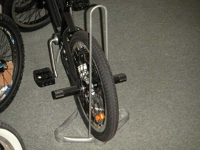 напольная подставка для велосипеда