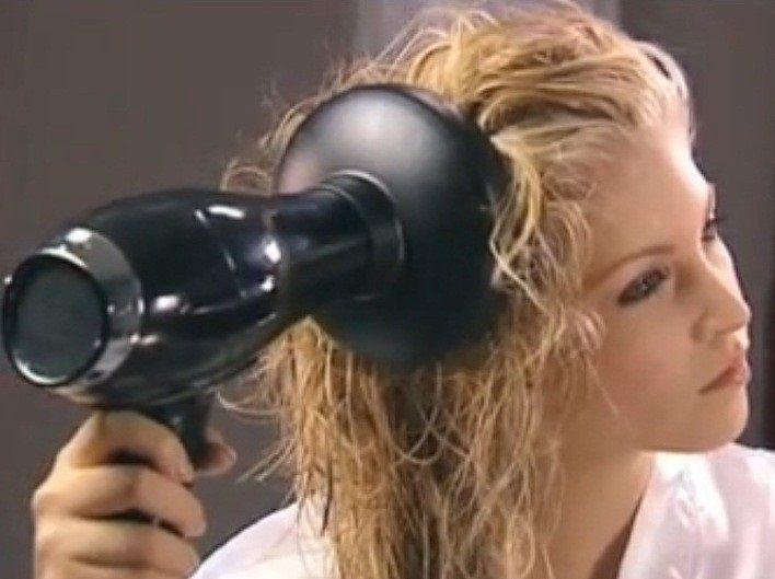 Укладка волос феном при помощи брашинга и диффузора