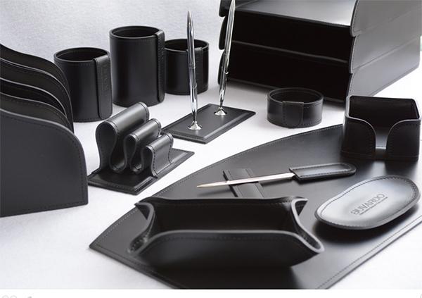 Стильный набор для письменного стола из кожи