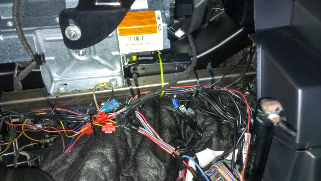Altox-WBUS-4-GSM-Land-Rover-Freelander-25