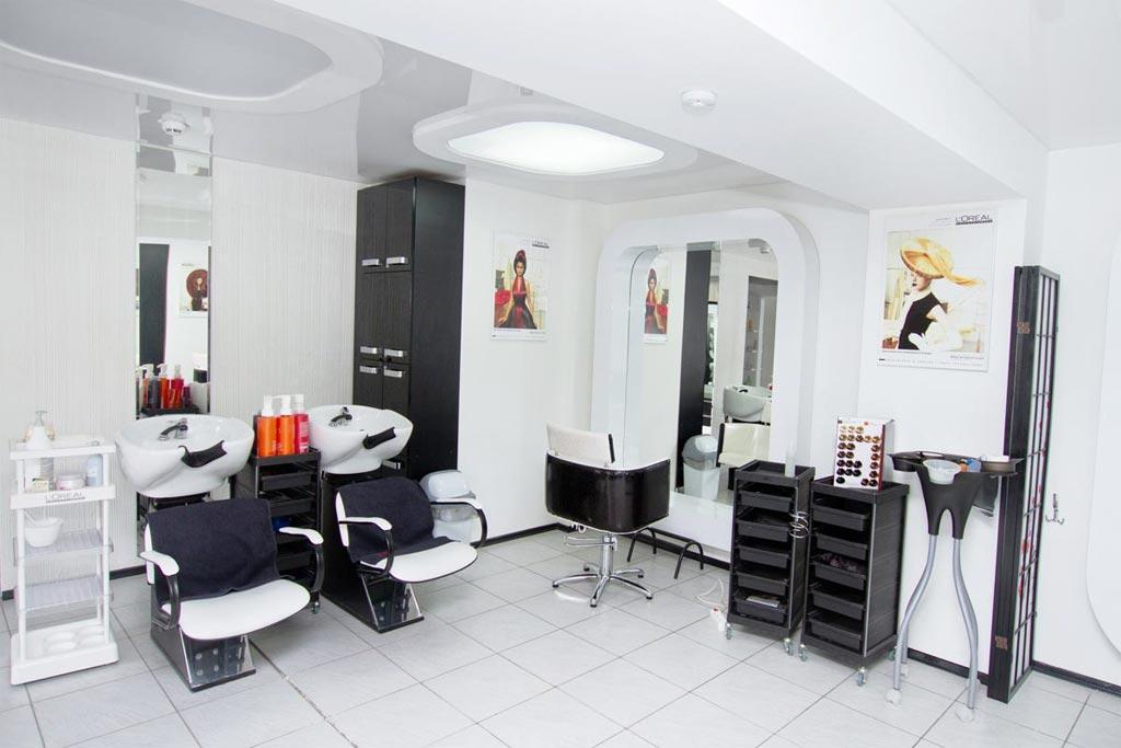 В чем отличие салона красоты от парикмахерского кабинета?