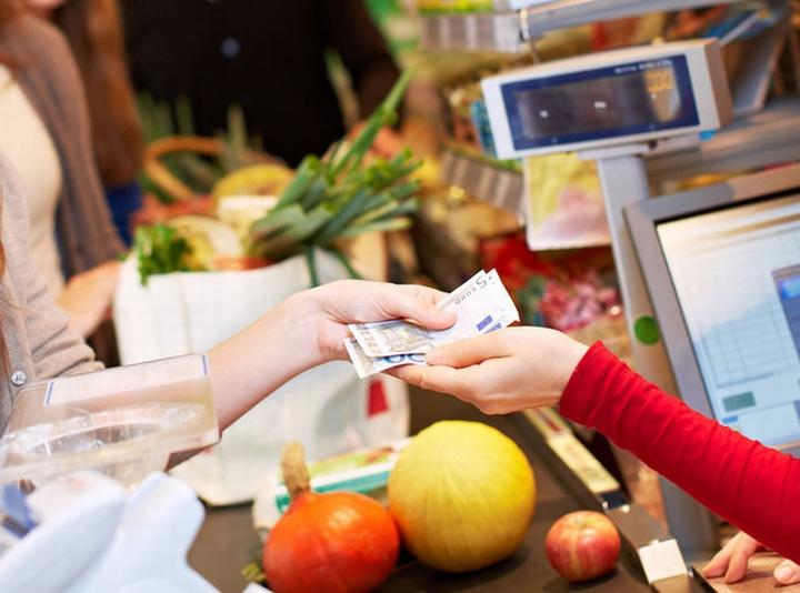 Сговор между покупателем и кассиром можно выявить при проверке чека
