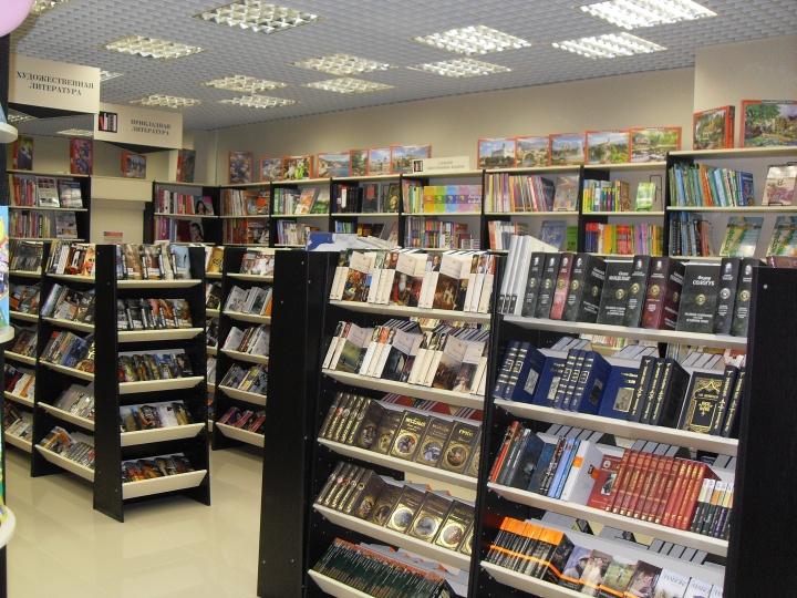 Книжные магазины занимают большую площадь, поэтому часто размещаются на 2-3 этажах ТРЦ
