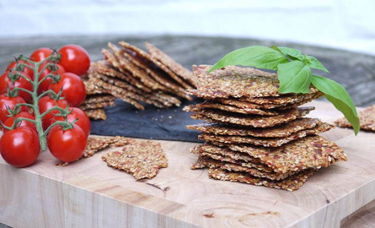 Italian-Flaxseed-crackers-2-740x450w_1_.jpg