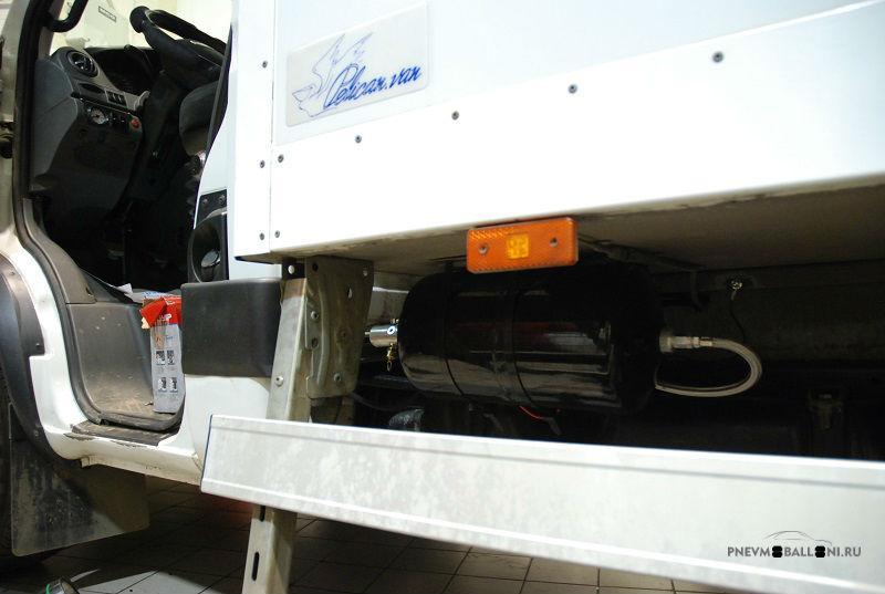 Блок подготовки воздуха был установлен под кузовом Iveco Daily 70C