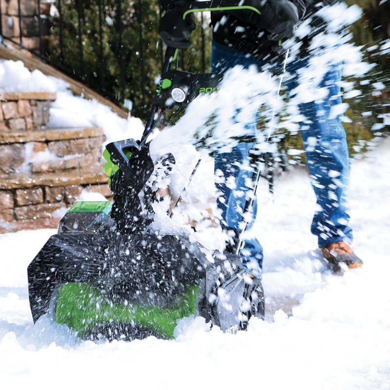 Снегоуборщики Greenworks: эффективный способ борьбы со снегом