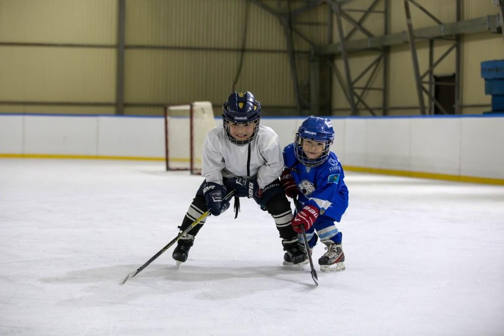 записать_ребенка_на_хоккей.jpg