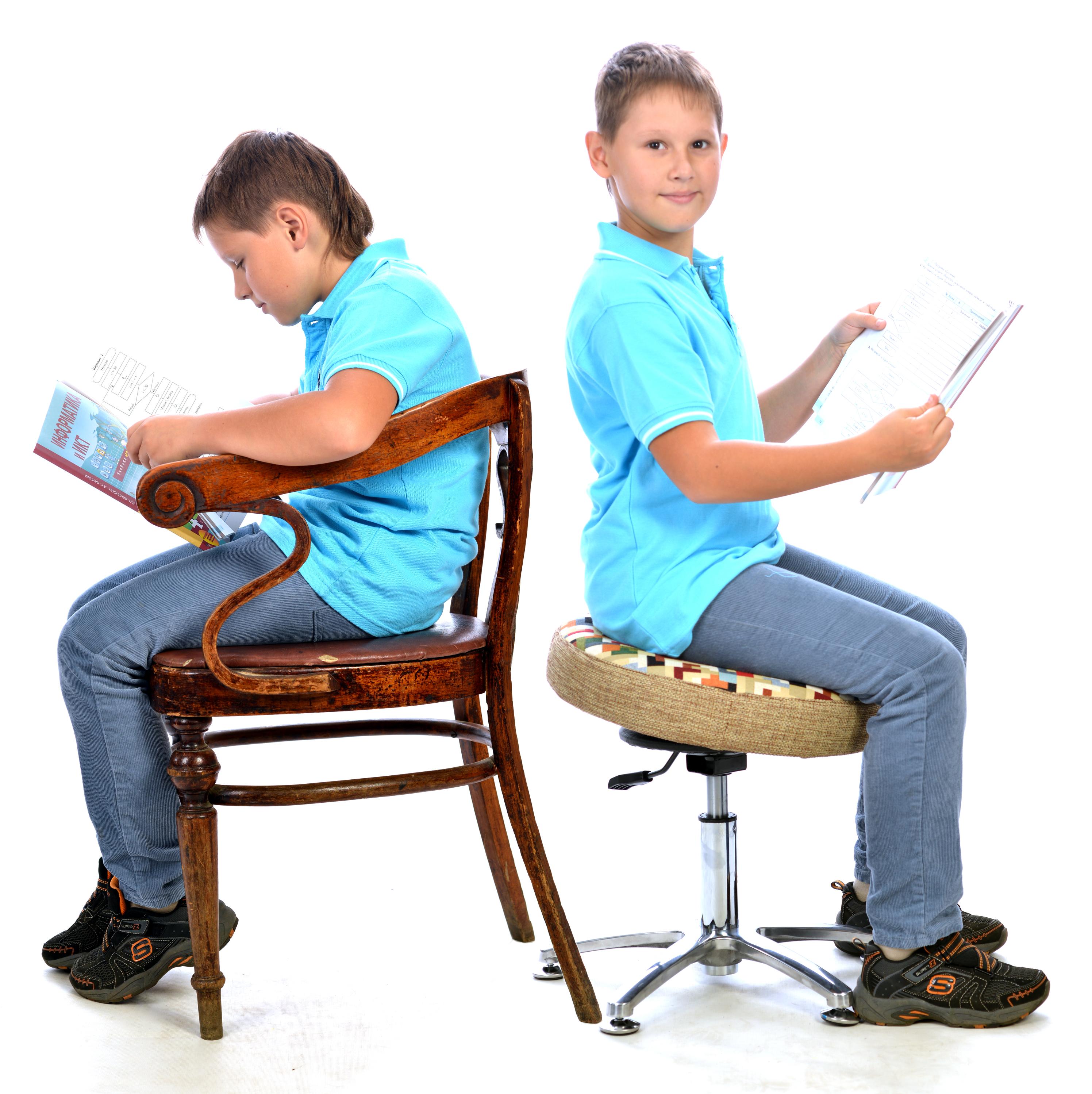улучшение осанки ребенка на танцующем стуле для школьника