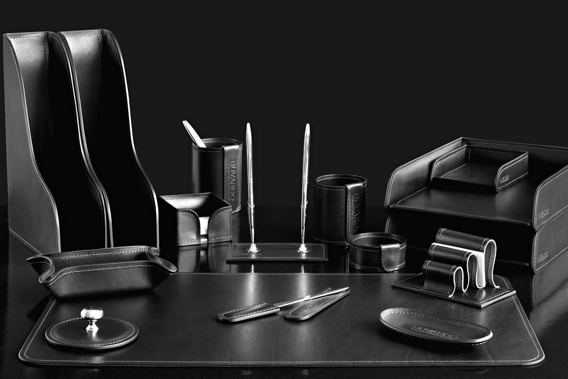 черный Набор руководителя в кабинет из 16 предметов из кожи категории Full Grain Bologna цвет Black.
