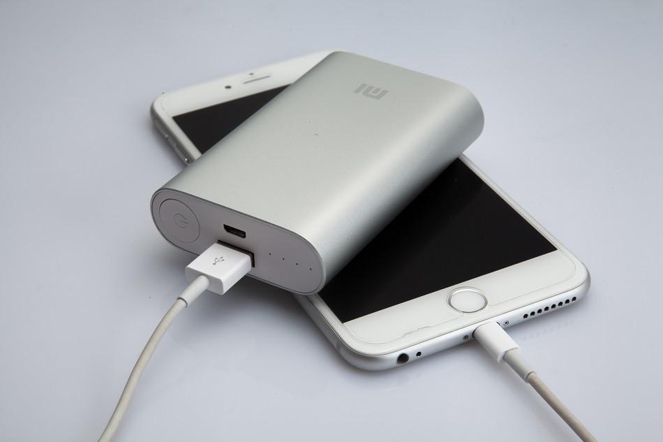 Внешний аккумулятор xiaomi mi power bank 10000 mah. Обзор портативной зарядки, его характеристики и отзывы.
