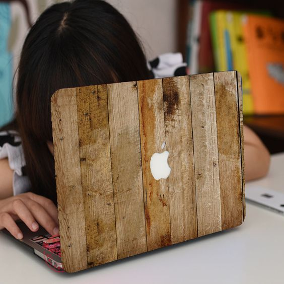 роспись ноутбука под дерево