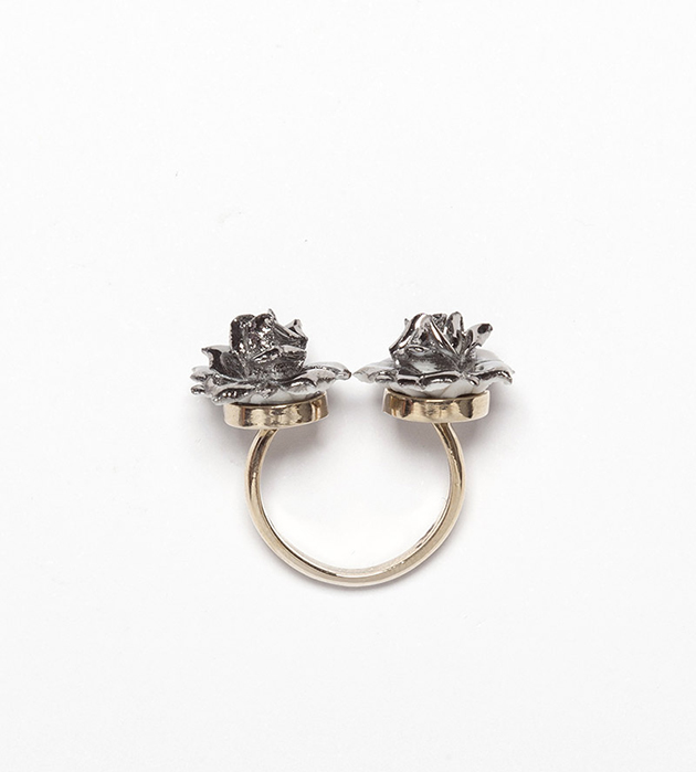 кольцо из испанского фарфора от ANDRES GALLARDO Double Silver Flower