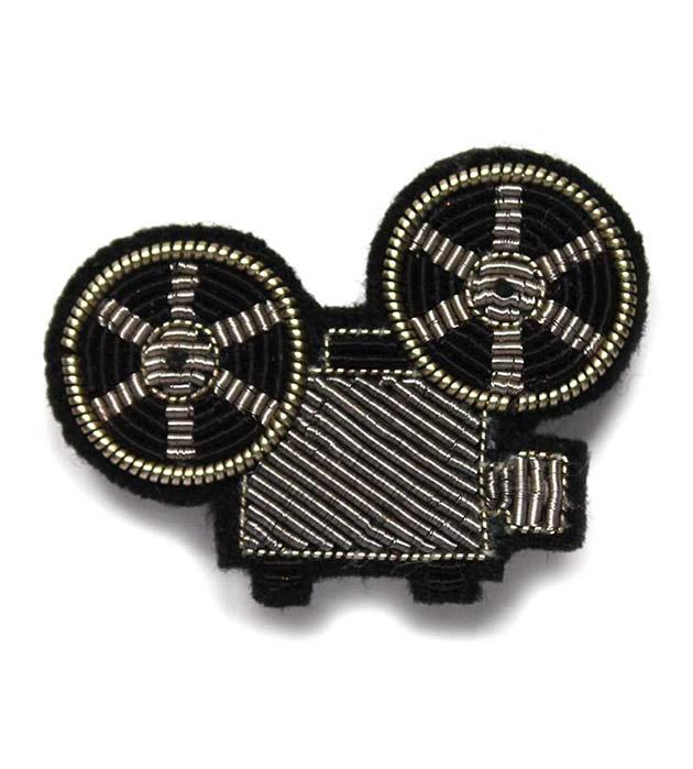 купите эффектное украшение Projector Silver pin от французского бренда Macon&Lesquoy