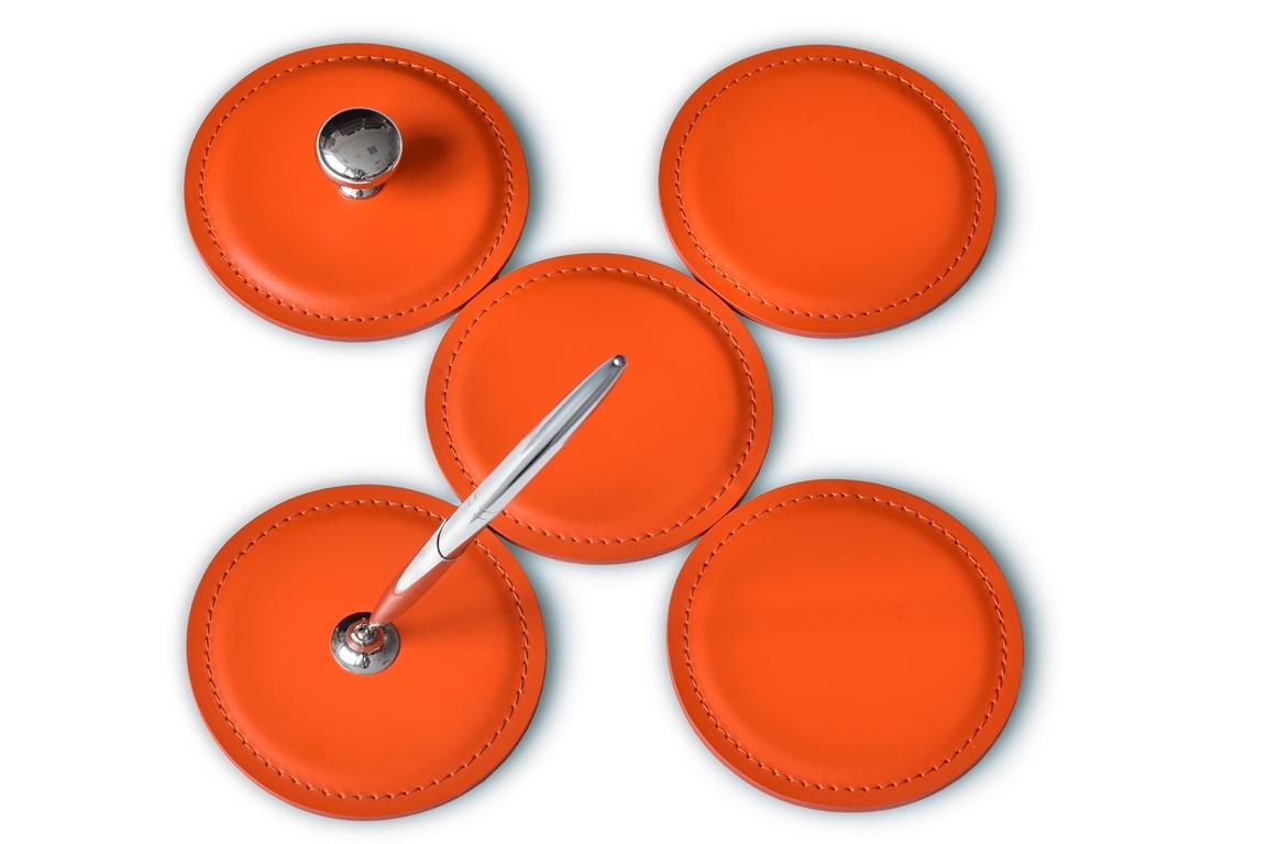 костеры из оранжевой кожи