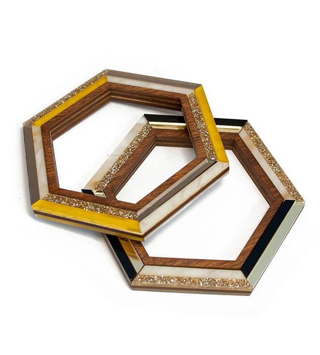 геометричный браслет Hex Olive из плексигласа и натурального дерева от Wolf&Moon