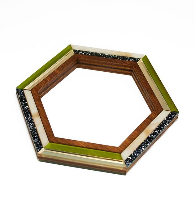 купите оригинальный браслет ручной работы от английского бренда Wolf&Moon - Hex Bangle Olive