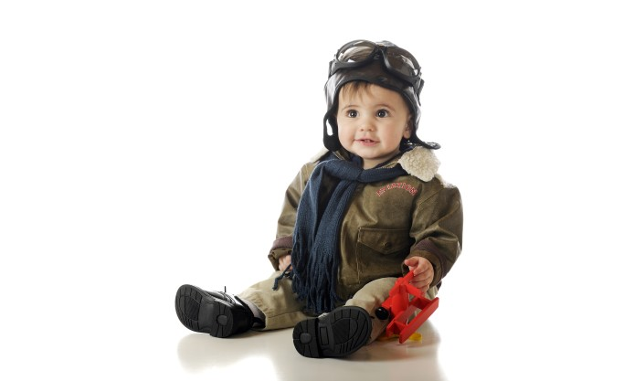 https://static-eu.insales.ru/files/1/6748/5470812/original/adorable-cute-baby-boy-toy-airplane-old-fashioned-pilots-glasses-hood-goggles-child-children-hap.jpg