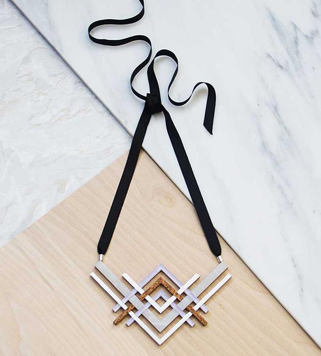 купите необычное украшение ручной работы на лентах от Wolf&Moon - Reflections Necklace Mint