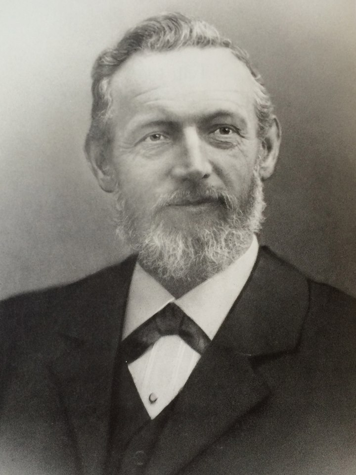 Karl_Elsener_1884.jpg