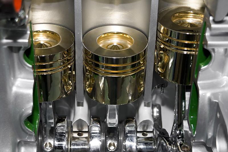 Детали двигателя в масляной смазке