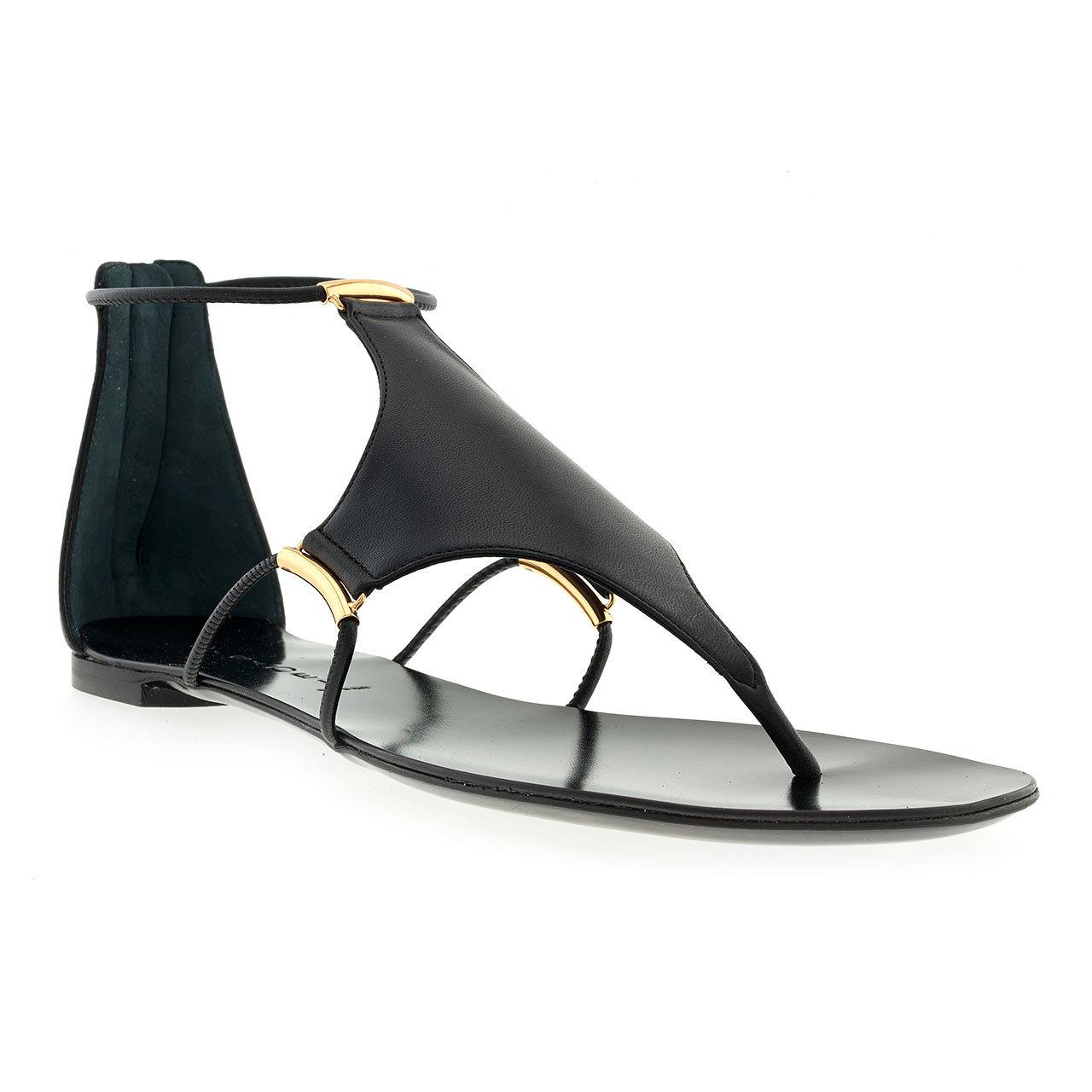 40aaee43d Босоножки на лето 2014 могут иметь практически плоскую подошву и тоненькие  полоски-ремешки, стильный минимализм такого варианта привлекает немало  поклонниц!