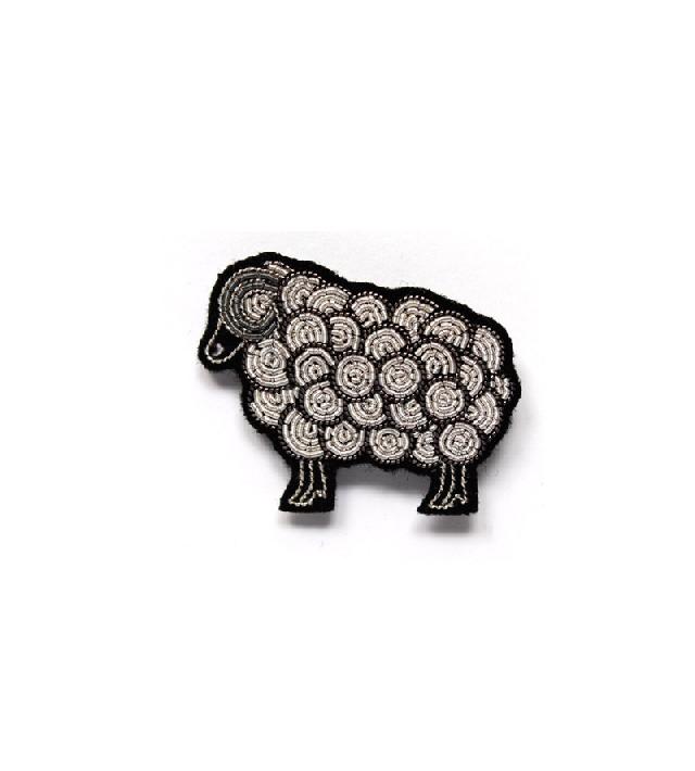 Брошь-Sheep-Slver-от-Macon_Lesquoy.jpg