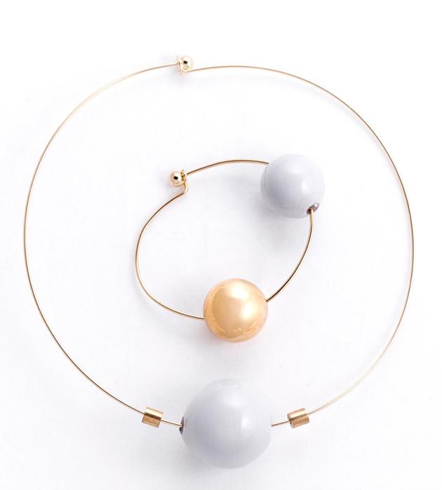 купите стильный браслет золотого цвета с 2 бусинами-шариками