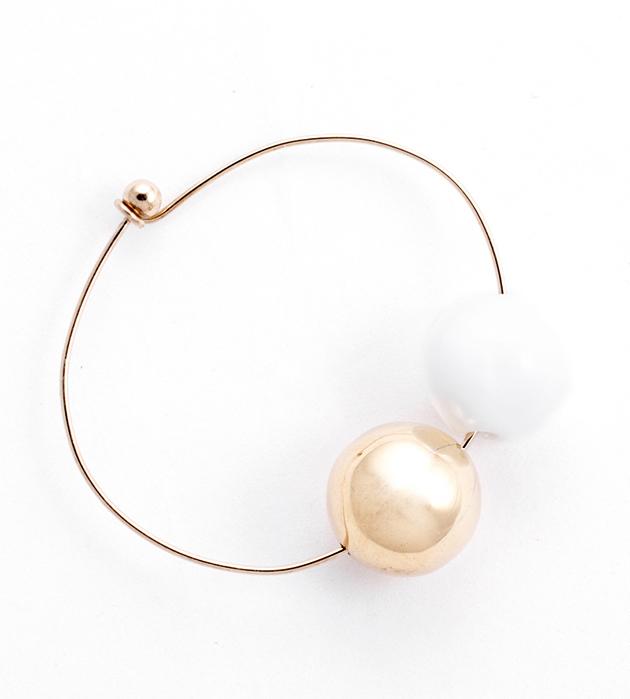 купите изящный бело-золотой браслет от Pili Collado