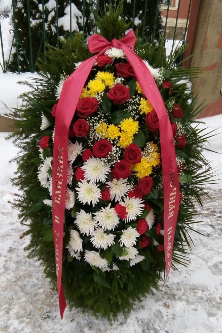 Траурный венок из живых цветов ВЖ-120-03