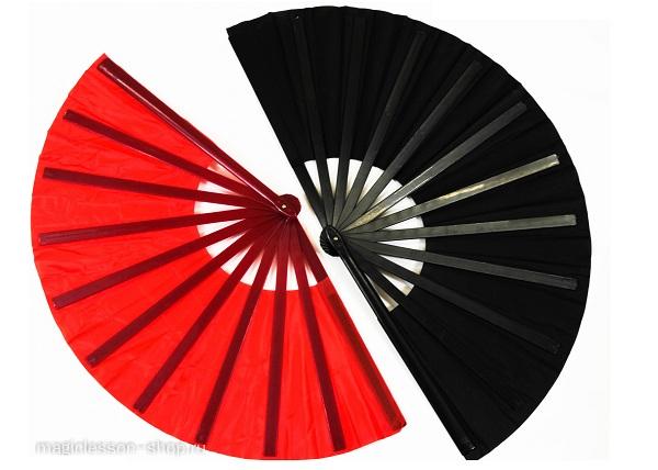 красный и черный веер