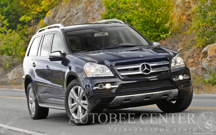 Mercedes-Benz-GL450-US-spec-2010-1920x1200-003.jpg