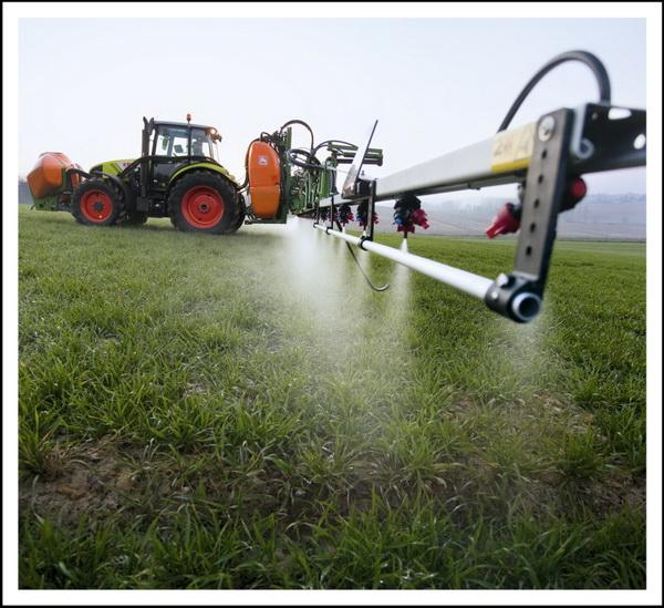 Димексид активно используют на полях в составе удобрений