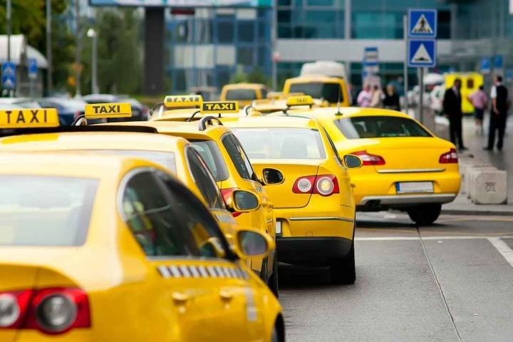 Несколько служб такси могут полностью загрузить работой небольшой автосервис