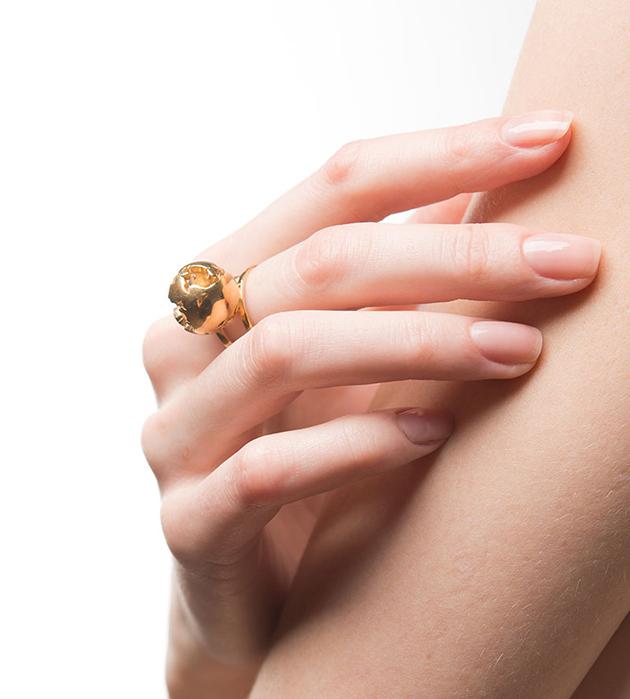 стильное резное кольцо World Globe ring gold от Artelier MX