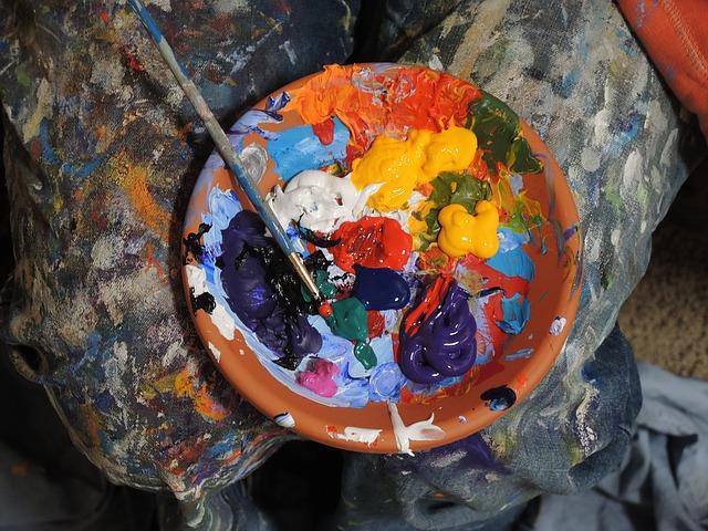 paints-1149122_640.jpg