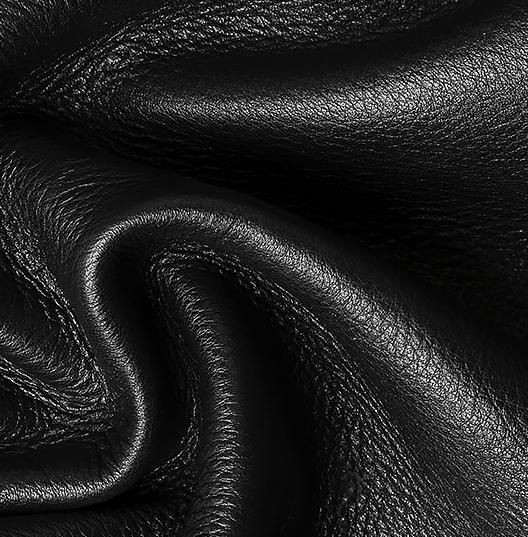 Ноты шлейфа: Кожа/Черная замша/ Ценные породы дерева