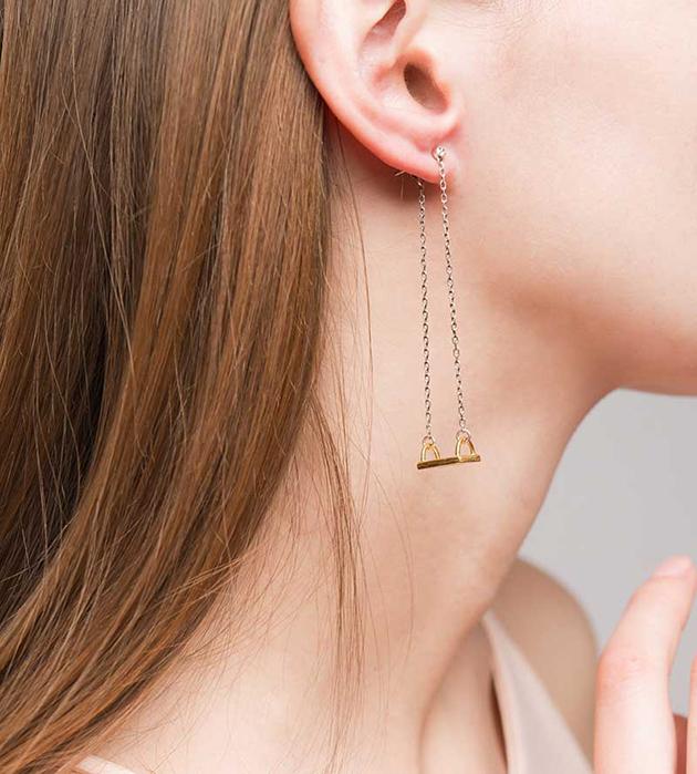 необычные серьги в форме качелей от Miss Bibi - Swing earrings